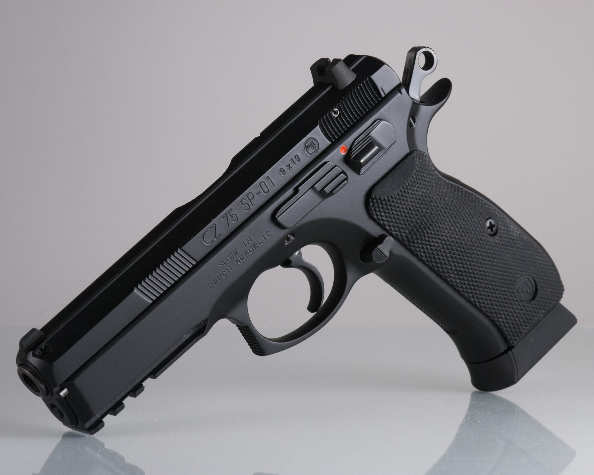 ปืน9ม.ม CZ75 ครองอันดับหนึ่ง คนนิยมมากที่สุด